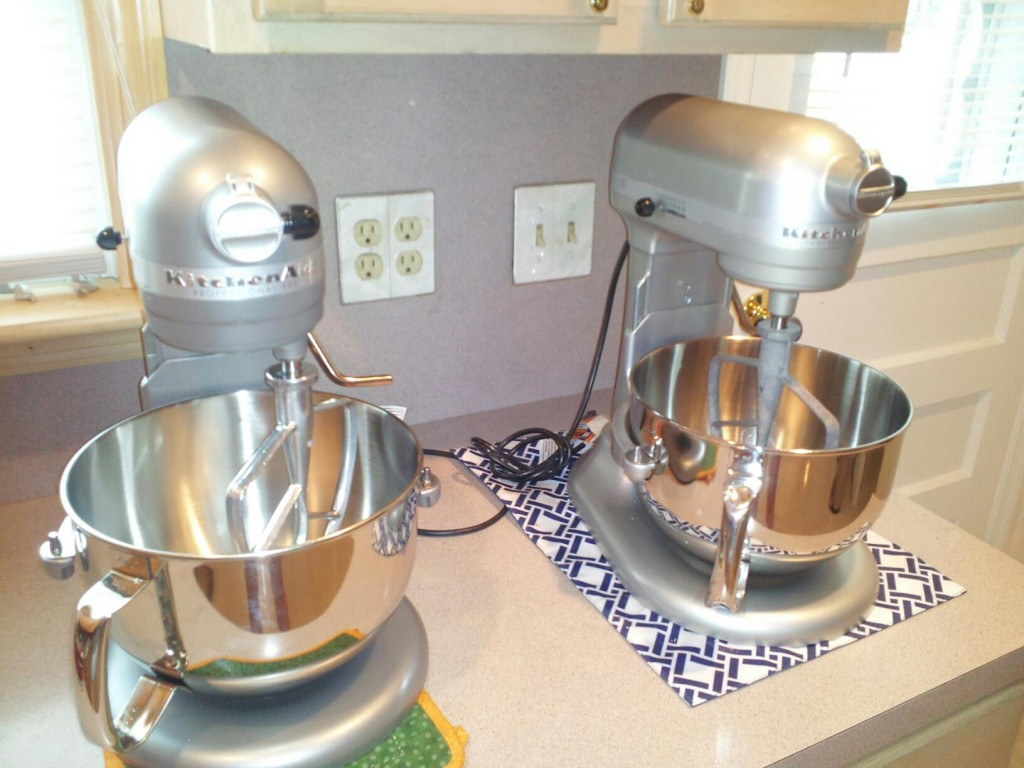 Kitchen aid 6 quart mixer - My Twin Set Of 6 Qt Kitchenaid Stand Mixers