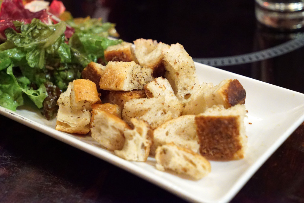 Photo cred: www.johnnyprimesteaks.com - croutons and salad